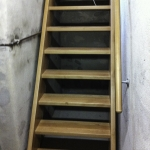Kellertreppe aus Buche, massiv