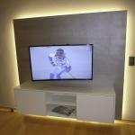 Lowboard für TV mit indirekter LED-Beleuchtung