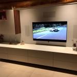 Media TV-Wand, weiß hochglanz in Kombination mit Echtholzfurnier Makassar