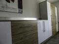 Büromöbel Olive/weiß hochglanz mit Stangengriffen